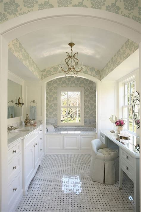 Antique Bathrooms with Trendy Appeal