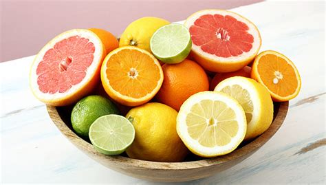 Oranges, Apples And Celery Can Make Your Pits Smell Better