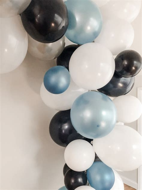 How To Make A Seriously Easy Balloon Garland - Lovely