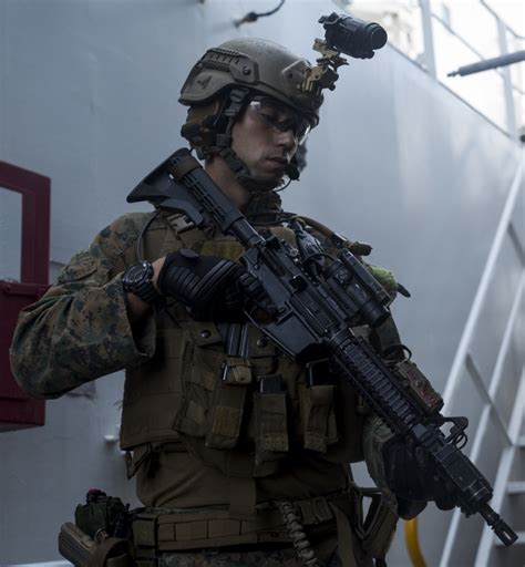 DVIDS - Images - 31st MEU Recon Marines conduct VBSS